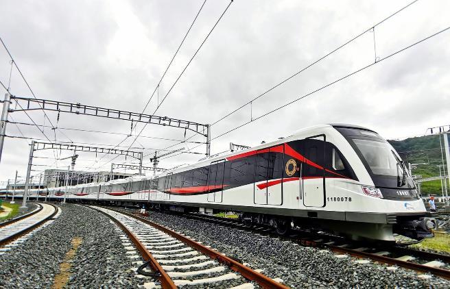 成都最快地铁!18号线一二期全面进入场段调试阶段