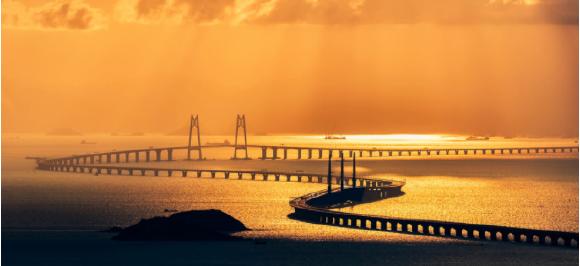 一周年,见证世纪大桥许下的承诺