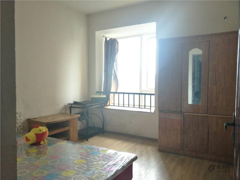 鑫苑名家二期3室1厅64平米租房