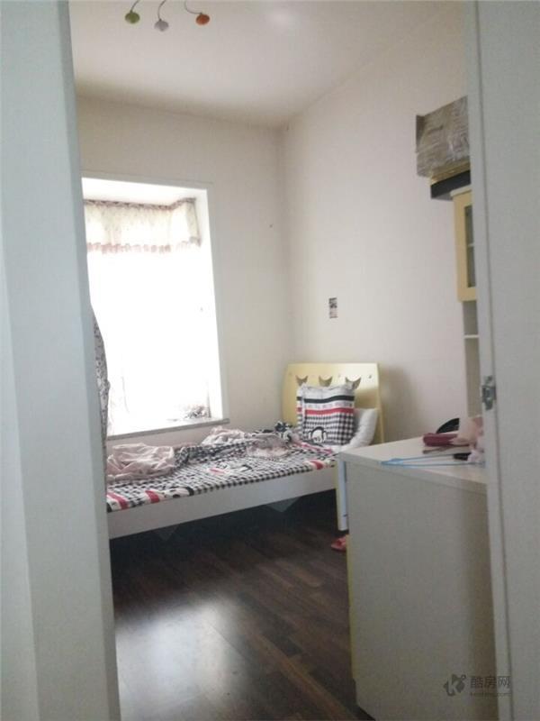 滨河花园D区1室1厅112.27平米租房