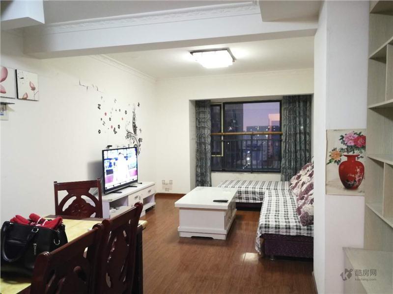 空港晶座3室2厅80平米租房
