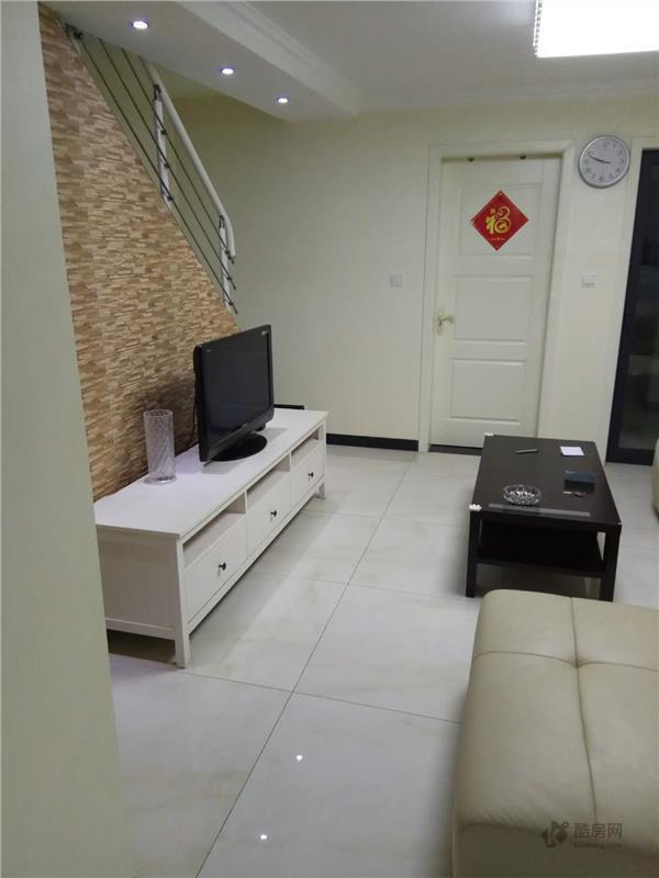 空港晶座3室2厅100.88平米租房