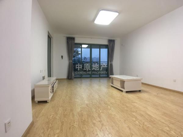 雅居乐花园一期附一区套四带装修低楼层租房