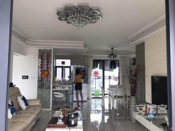 江南世家景观好精装4房2厅景观好楼层好仅售176万