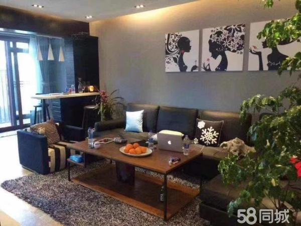 幸福里一楼带80平米的院子两室,98平米豪华装修仅售95万