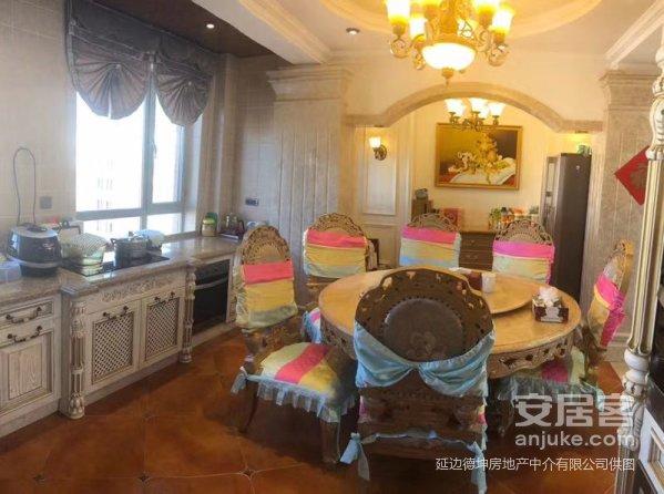 出售海兰江花园电梯洋房6跃7面积200平奢华装修