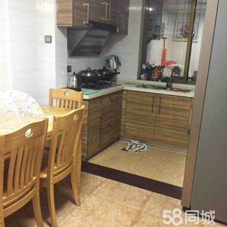 东安新村精装3房,全套齐全,可拎包,交通方便,生活便利