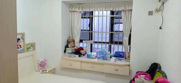 市妇幼附近南北通透精装大三房带家具家电可拎包业主急售