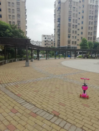 金山嘉苑靠近红星中学新校区旁,交通便利,应有尽有,配套齐全。