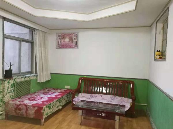 东城清风小区三室一厅一卫3楼78平紧邻人民医院双实验