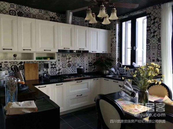 香格里拉的梦幻婚房6+1带私家花园给你度假般的享受、急售