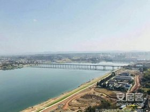市政新区豪装套三双卫,售119万无高税,送80平大平台江与城