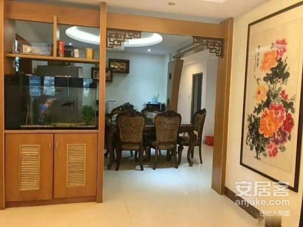 新县城和安花园高档小区,2楼带露台豪华装修大4房,双主卧!