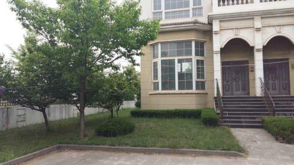 月海花园独栋别墅,占地520平,建筑面积361平三阳台车库