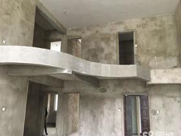 鸿景苑中间挑空复式楼层7一8层超大空间
