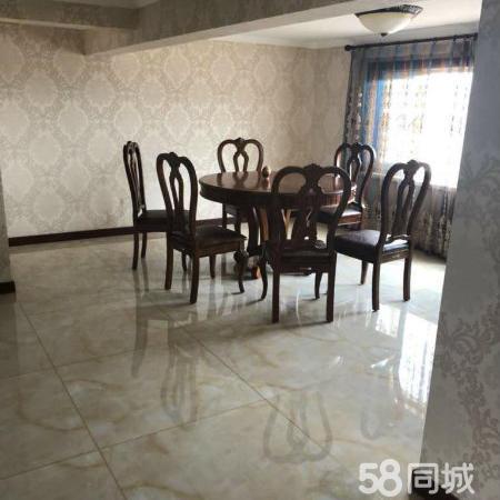 圣帝雅阁3室一厅150平带140平阁楼豪华装修95万可贷款