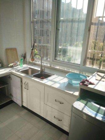 锦绣花园1楼二居室户型方正南北通透精装修有证