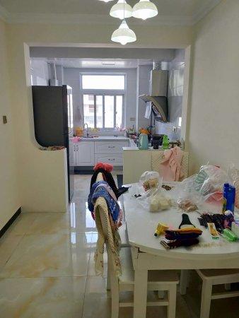 凤凰城实小二中校区房精装3房南北通透有证了按揭