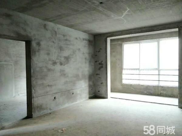 解放建月花园三期一楼带花园4室2厅2卫176平米