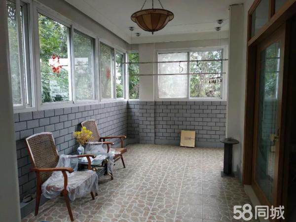 东岳路春华苑精装三室楼梯5楼80万