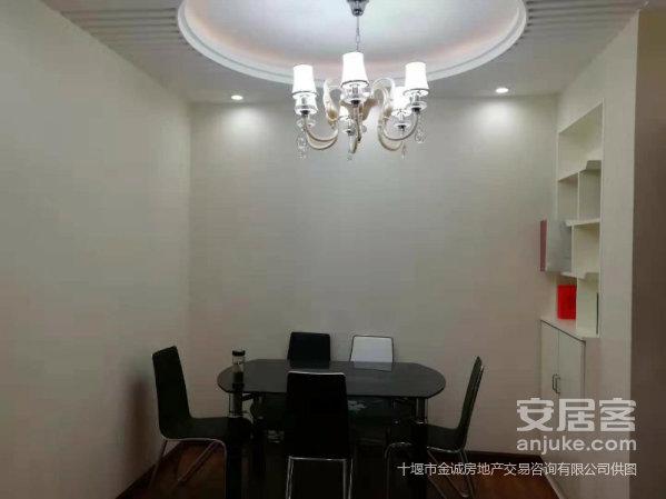 市一中门口上海城旁腾龙湾豪装2室,双阳台,采光好,热暖全!