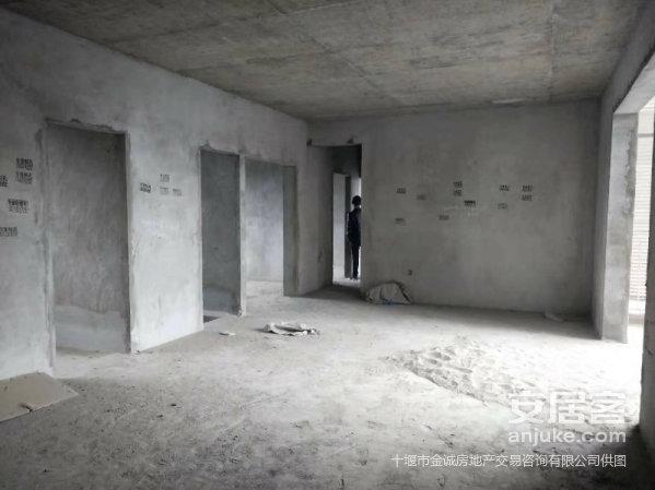 白浪50厂电梯高层商品房毛坯三室两厅南北通透140平