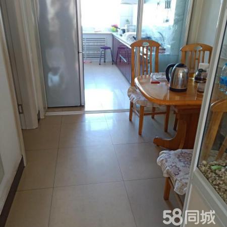 红山区物资小区步梯楼双阳卧室中等装修