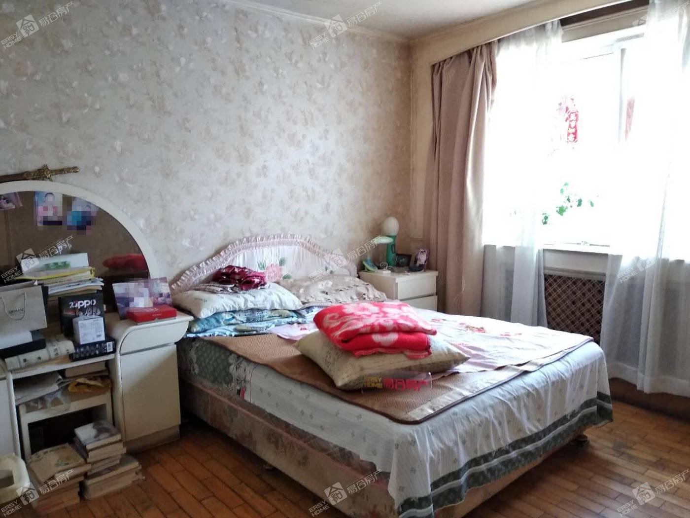 新兴小区+4层中间层+双阳卧室+免税费+送小棚