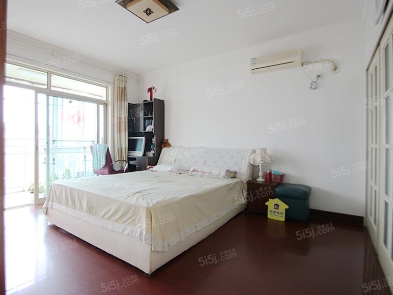 此房满五唯一,双卧客厅朝南采光好,楼层好,视野宽阔