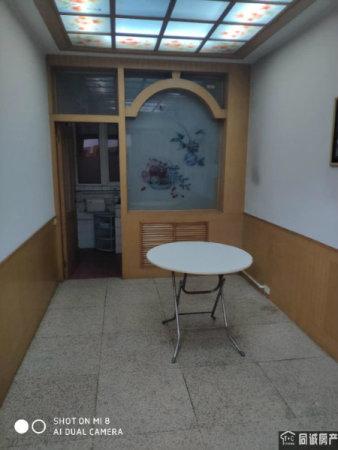 广场三招教育局旁(武警全天站岗)一口价大红本满五唯一看房方便