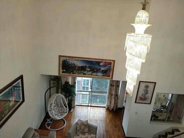 奥林新城河东豪华复式楼家具家电齐全加俩个落地阳台
