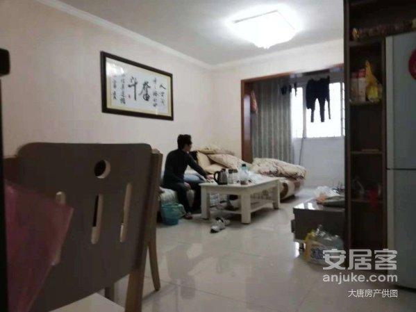 达高国际11楼,精装修,家具家电齐,有证支持按揭,价可谈。
