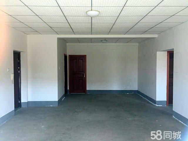 会理县西环路城西市场3室2厅2卫简装住宅出售