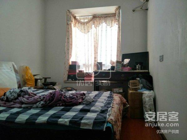 西外金兰路,牡丹苑149平米精装大四房单价6300读八小。