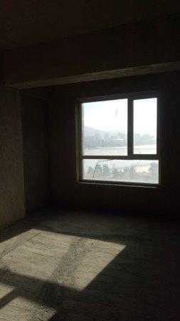 碧水龙庭观景房,156平,三室两厅两卫,通厅落地窗,采光好