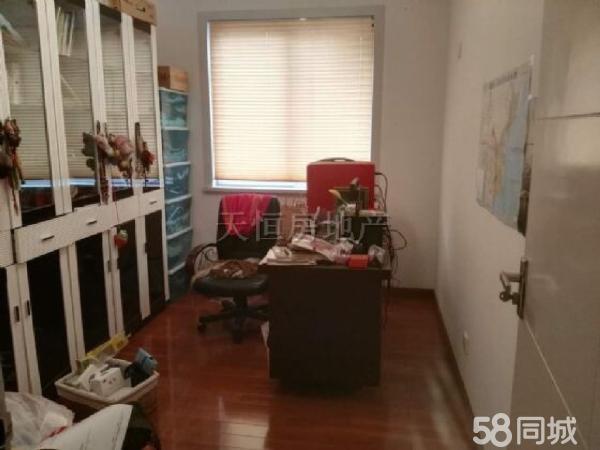 南河都市春天,3室3厅2卫,精装修,拎包入住,可按揭,采光好
