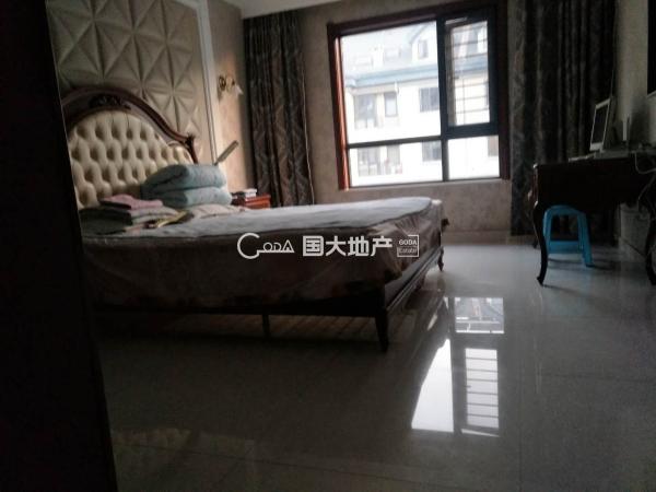 上林华苑(锦麟) 3室2厅 167㎡ 425万