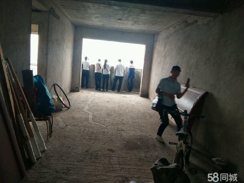 滨江园3室2厅1卫