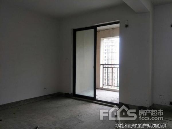 悦府江南小区景观房147平6楼带车位一个只要265