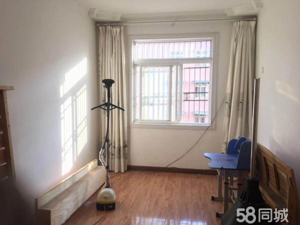 天润花园,精装修大三室,户型南北通透,速来抢房