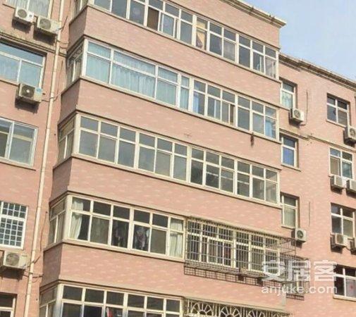 中yuan街龙泉花园,可贷款,还送车库,即买即住即过户!