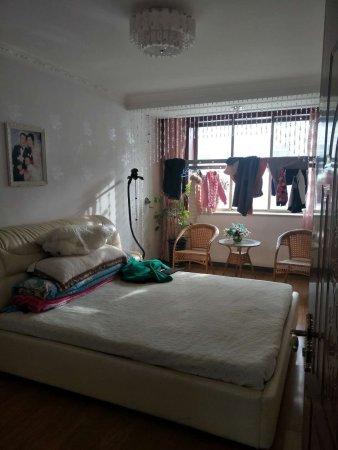 成林大厦附近四楼三室两厅精装修