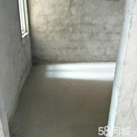 凭祥小区可按揭房源,140平4房2厅2卫毛坯房