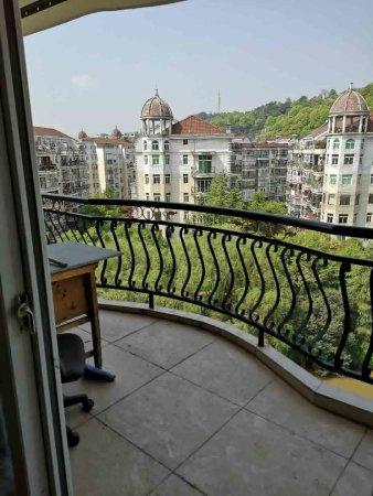 雅典小区153平4房2卫2阳台品质硬装报价56.8万!