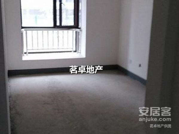绿色市场中高楼层大三房急售,一手合同可更名