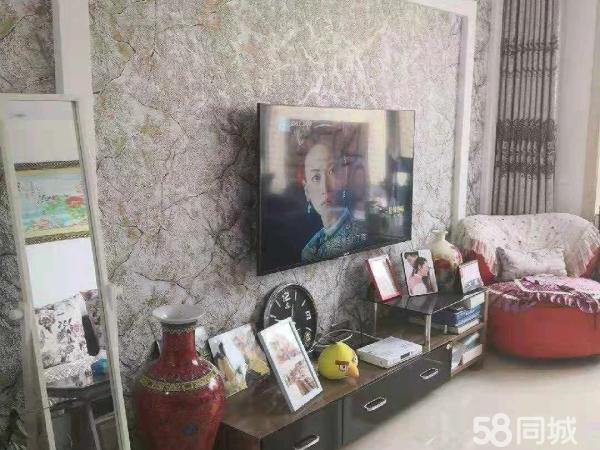 汇丰苑小区豪华装修高层14楼102平52万可贷款