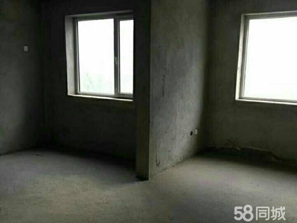 别墅!阳光广场附近!一二三层带地下室!222.9平160万可
