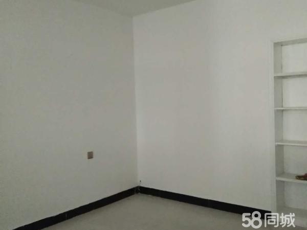隆升小区一室一厅一卫简装房源出售