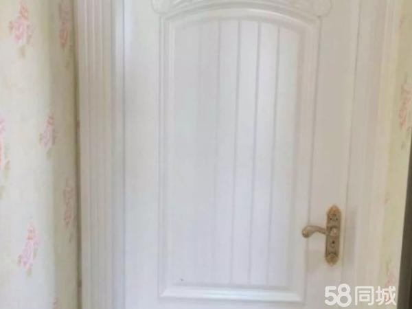 茶马古镇精装修3室2厅2卫118.2平80万