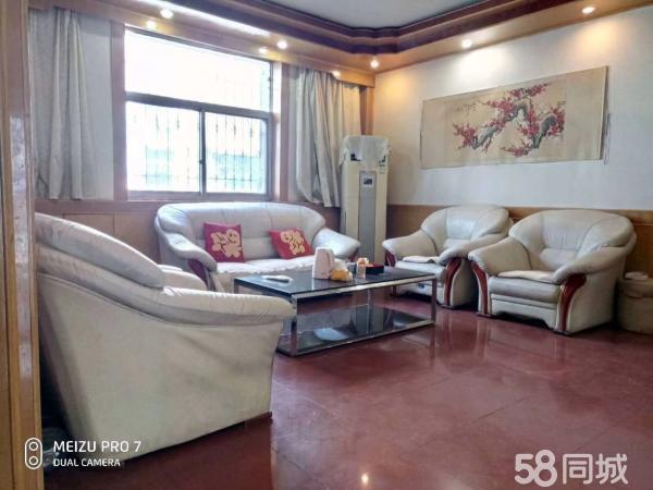 龙泉小区3室房中间楼层48万有证